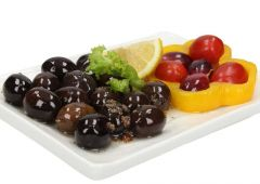 Black Olives With Lemon And Garlic