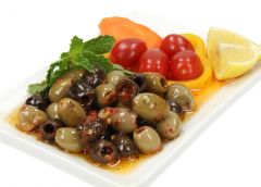 Mixed Pitted Olives With Spicy Sauce